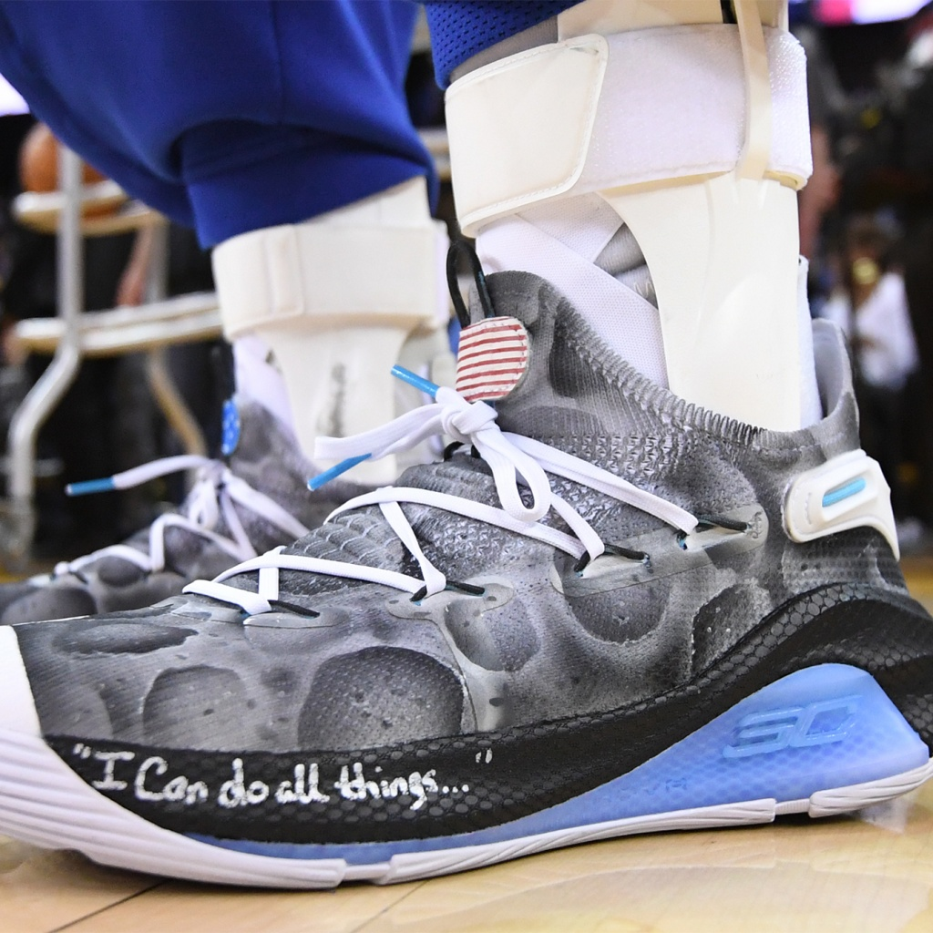 a1531c4e Stephen Curry's Custom 'Moon Landing' Shoes Help Raise $58,100 to Bring  STEM Initiatives to San Francisco Bay Area Schools
