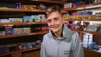 This 14-Year-Old Entrepreneur Runs a Successful eBay Business After School